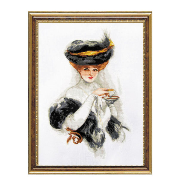 Гоблен Дама с чашка чай